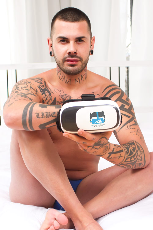 Aday Traun VR Porn Videos and Photos